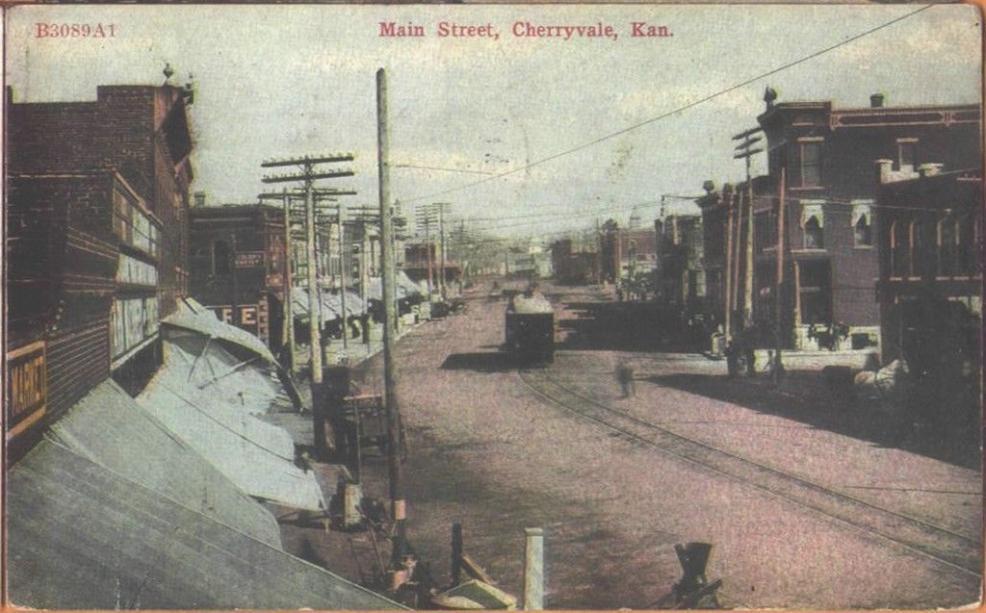 1910 Cherryvale Kansas Main Street Postcard - B3089A1