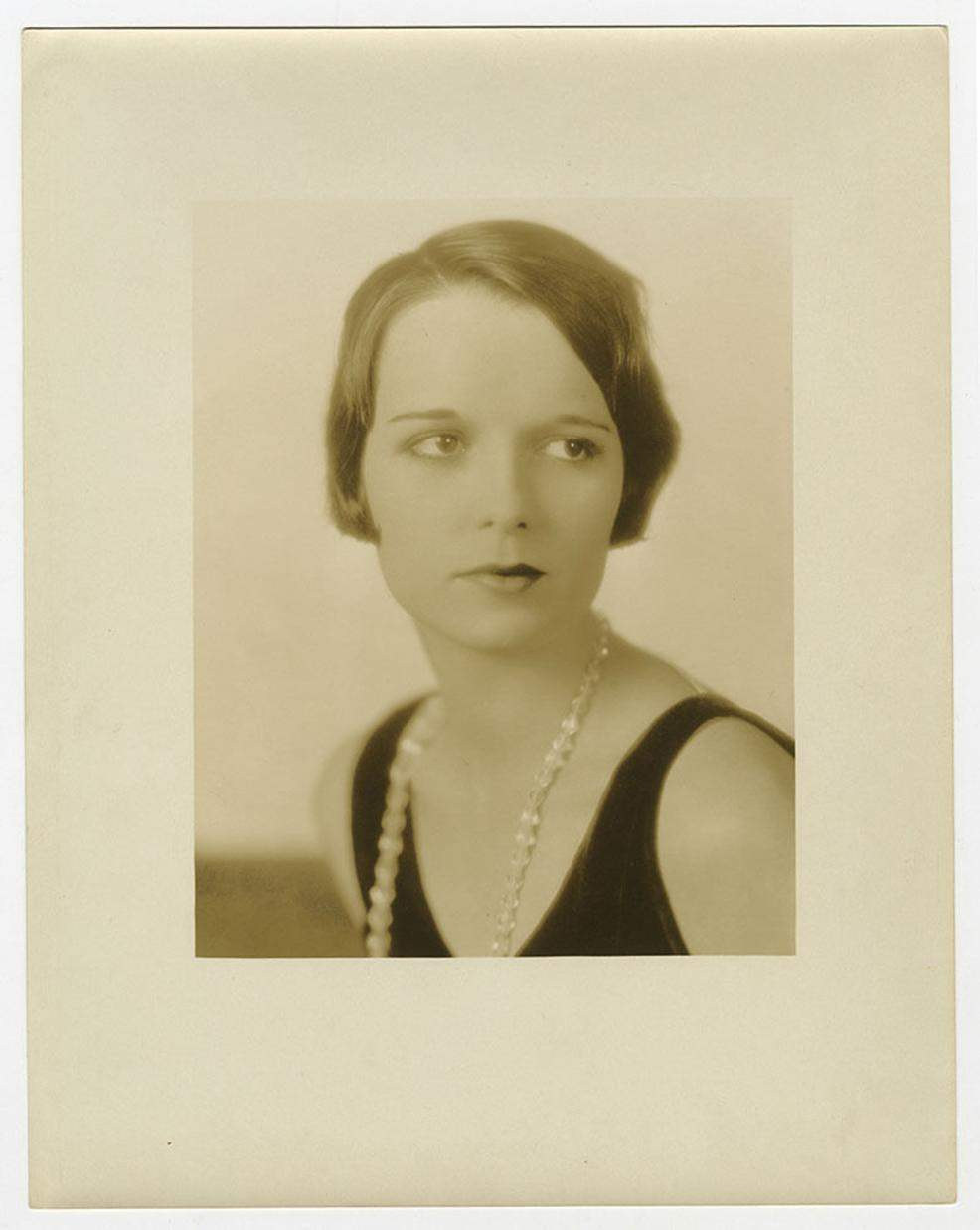 1926 Louise Brooks Publicity Still by Eugene Robert Richee 01