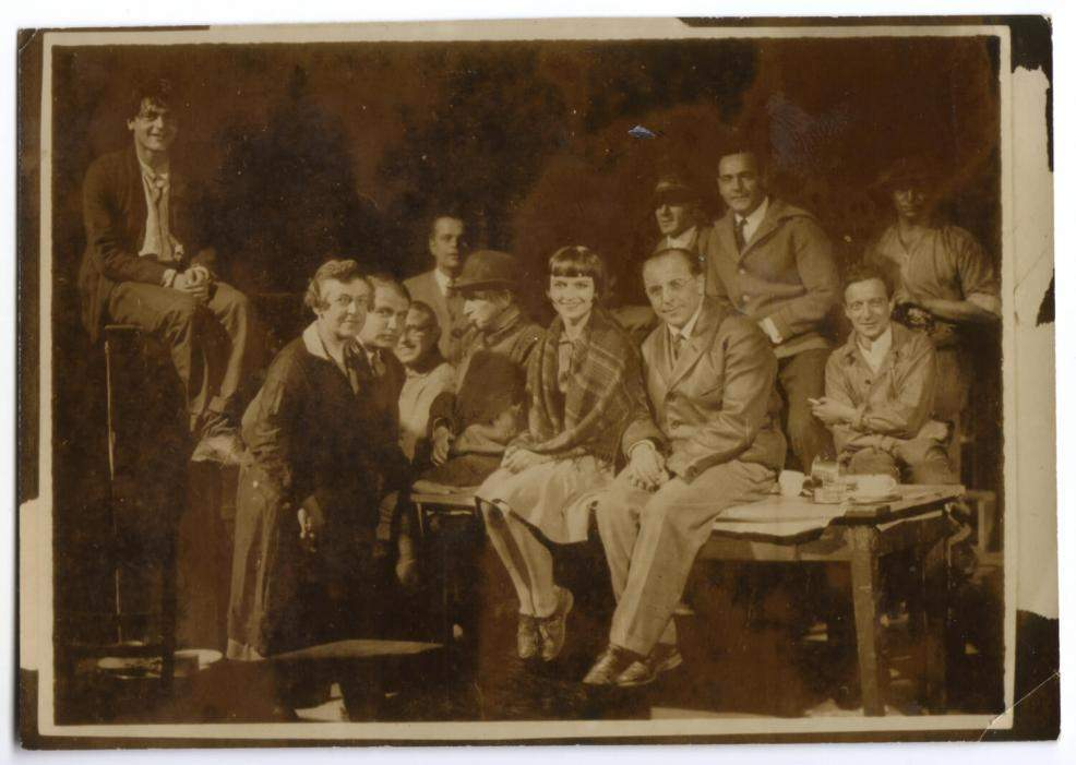 1928 Louise Brooks in Berlin with Pandora's Box cast